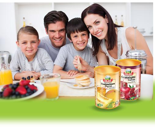 Türkische Familie mit Dilekprodukten
